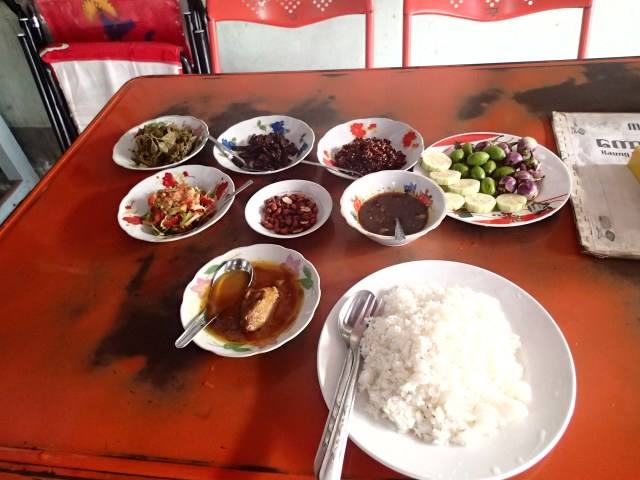 first taste of Myanmar food